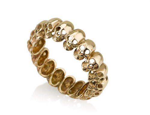 גולגולות או לא להיות – טבעת גולגולות מזהב