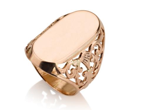 טבעת אובלית מרשימה חותם מרכזי חלק בצורת אליפסה זהב אדום עם עיטורים בצדדים