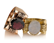 טבעת זהב בסגנון עתיק פפיון משובצת מונסטון וגרנט