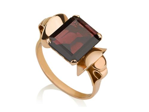 טבעת פפיון זהב 14K בשיבוץ אבן גרנט בורדו