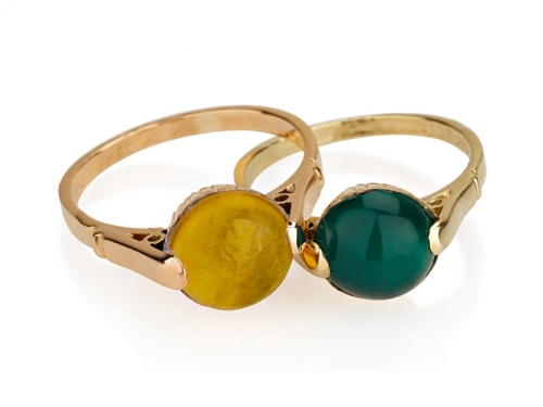 טבעת זהב וינטאג׳ בשיבוץ אבני חן