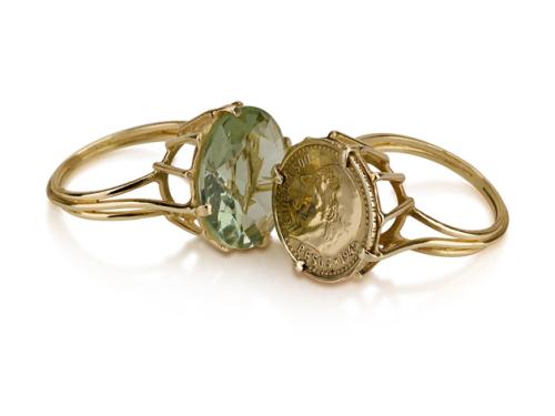 טבעת זהב בסגנון ישן בשיבוץ אמטיסט ירוקה מטבע זהב