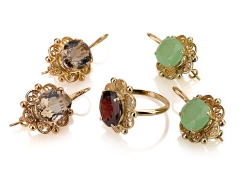 סט תכשיטים טבעת ועגילים תלויים בסגנון ישן