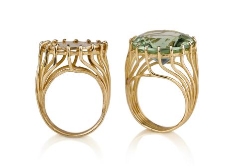 טבעת זהב בסגנון ישן בשיבוץ אמטיסט ירוק מטבע זהב