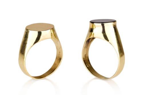 טבעת חותם קלאסית קטנה חלקה/ אוניקס שחור