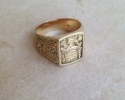 טבעת חותמת זהב עתיקה גדולה עם עיטורים