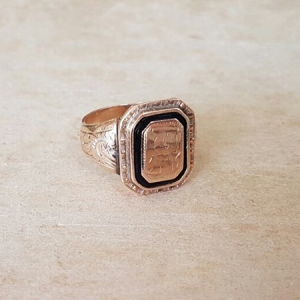 old onyx signet ring