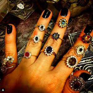 מבחר גדול של טבעות יהלום נדירות בסגנון דיאנה