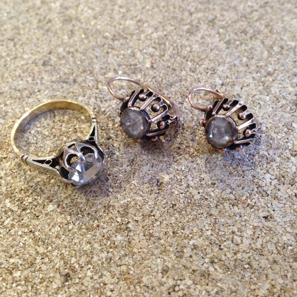 טבעת ועגילים עתיקים בשיבוץ יהלומים בליטוש ישן