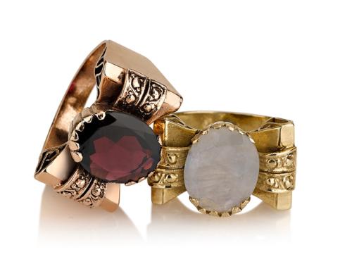 טבעת פפיון בסגנון עתיק עם אבן חן מרכזית